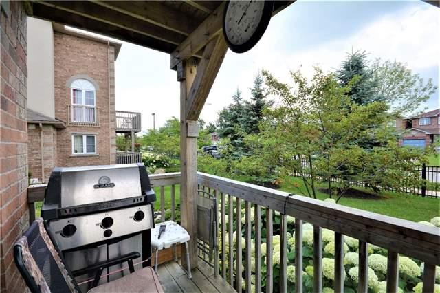 Condo Apartment at 19 Cheltenham Rd, Unit 8, Barrie, Ontario. Image 8