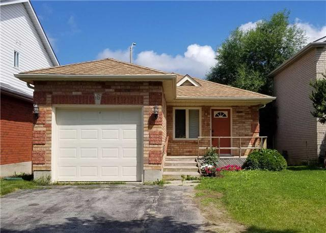 Detached at 18 Garibaldi Dr, Barrie, Ontario. Image 1