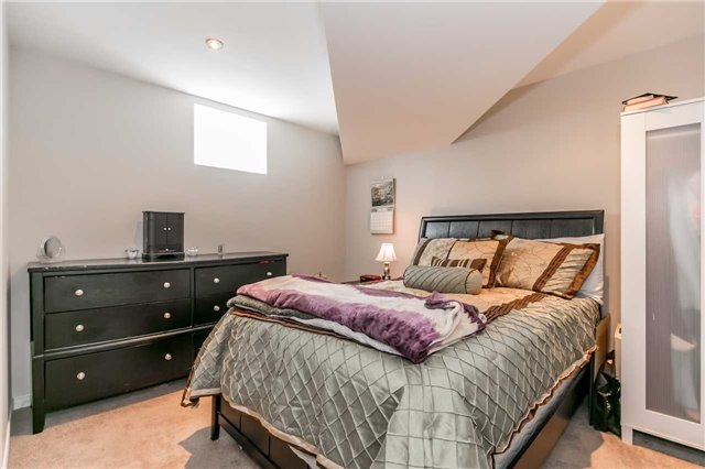 Detached at 8 Plowright Rd, Springwater, Ontario. Image 10