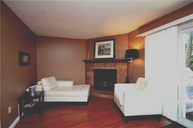 Detached at 180 Kozlov St, Barrie, Ontario. Image 5