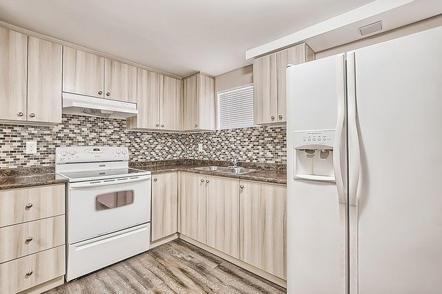 Semi-detached at 65 Highcroft Rd, Barrie, Ontario. Image 6