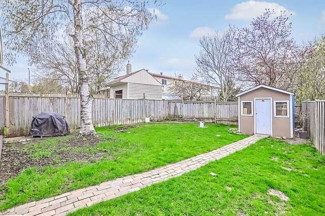 Semi-detached at 65 Highcroft Rd, Barrie, Ontario. Image 9