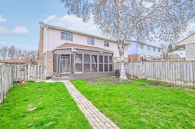 Semi-detached at 65 Highcroft Rd, Barrie, Ontario. Image 10