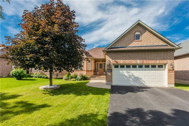 Detached at 75 Brighton Rd, Barrie, Ontario. Image 1