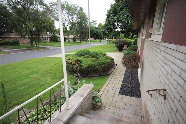 Detached at 99 Melrose Ave, Barrie, Ontario. Image 20