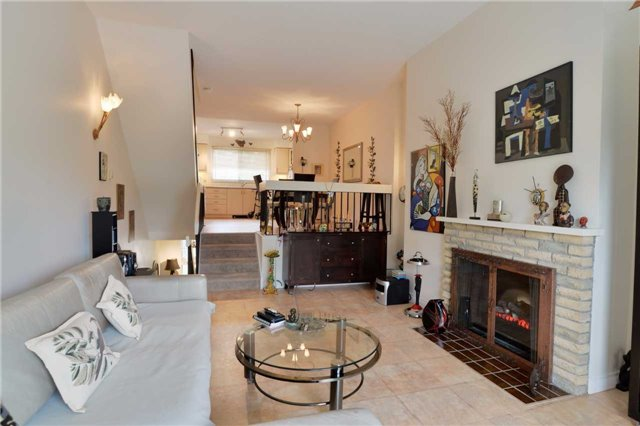 Condo Townhouse at 4 Paradise Blvd, Unit 9, Ramara, Ontario. Image 14
