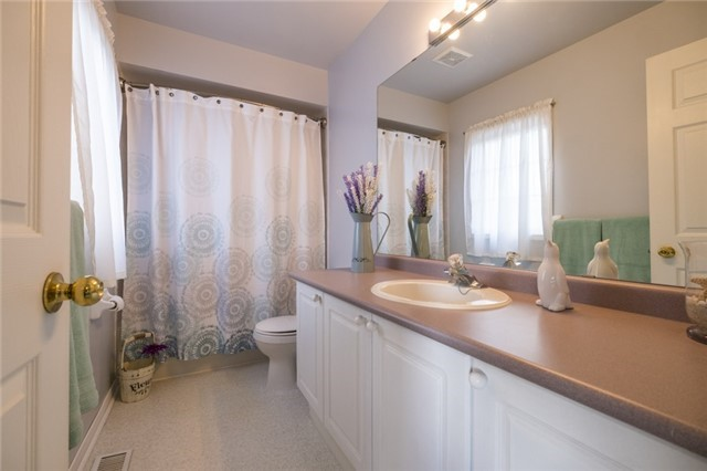 Link at 23 Churchland Dr, Barrie, Ontario. Image 6