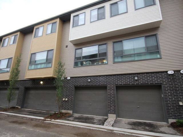 Townhouse at 369 Essa Rd, Unit 54, Barrie, Ontario. Image 1