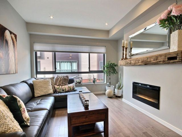 Townhouse at 369 Essa Rd, Unit 54, Barrie, Ontario. Image 2