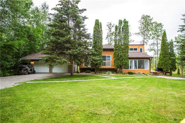 Detached at 13 Crescent Dr, Tay, Ontario. Image 1