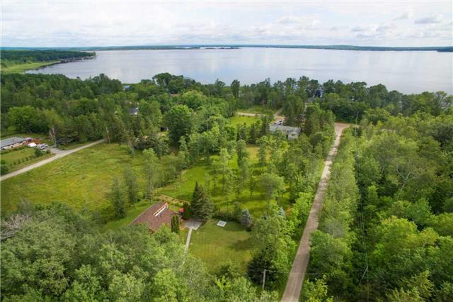 Detached at 13 Crescent Dr, Tay, Ontario. Image 9