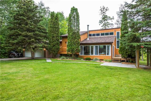 Detached at 13 Crescent Dr, Tay, Ontario. Image 10