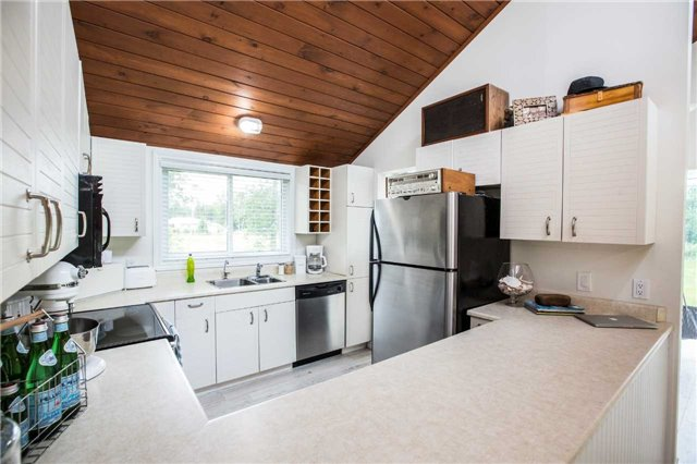 Detached at 13 Crescent Dr, Tay, Ontario. Image 14