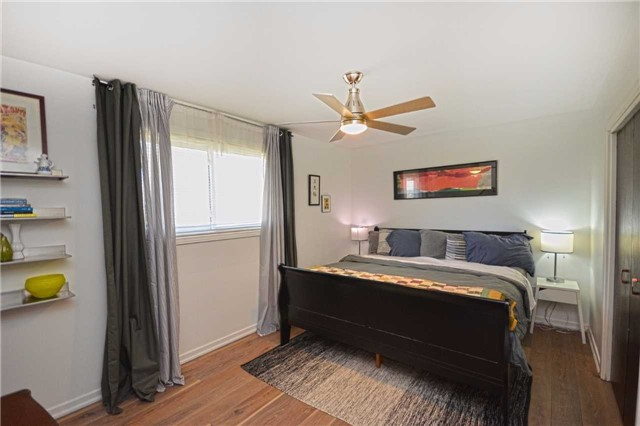 Detached at 267 Grove St E, Barrie, Ontario. Image 17