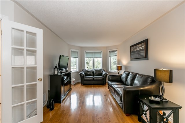 Detached at 157 Benson Dr, Barrie, Ontario. Image 15