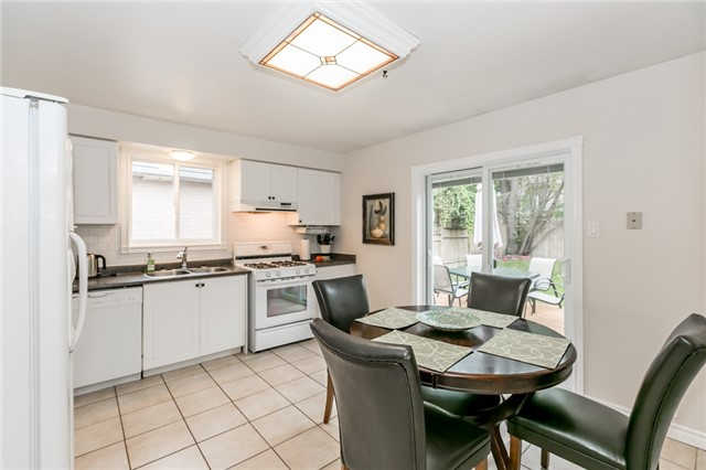 Detached at 157 Benson Dr, Barrie, Ontario. Image 19