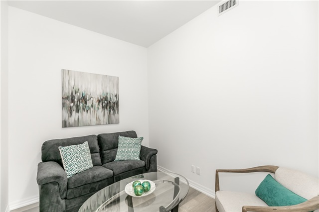 Condo Apartment at 111 Worsley St, Unit Gph04, Barrie, Ontario. Image 12