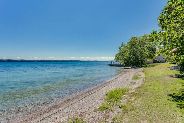 Detached at 2641 Ridge Rd W, Oro-Medonte, Ontario. Image 11