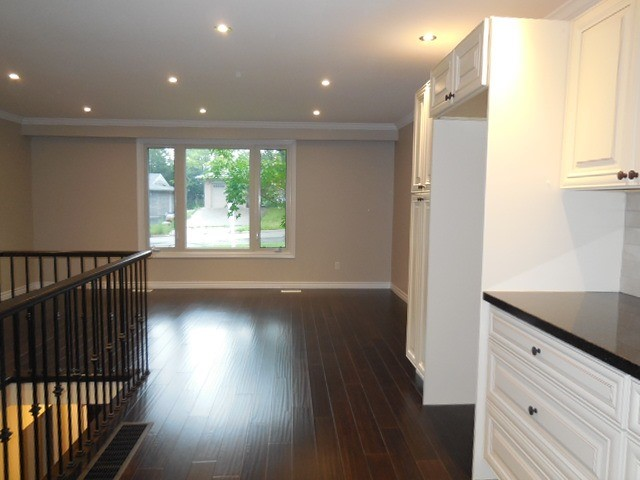 Semi-detached at 149 Daphne Cres, Barrie, Ontario. Image 7