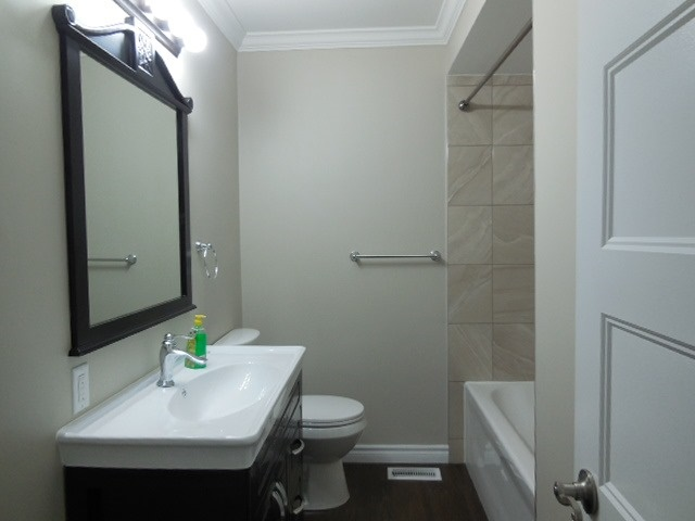 Semi-detached at 149 Daphne Cres, Barrie, Ontario. Image 12