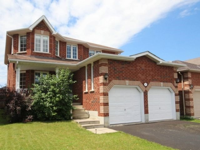 Detached at 56 Birchwood Dr, Barrie, Ontario. Image 1