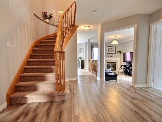 Detached at 56 Birchwood Dr, Barrie, Ontario. Image 15