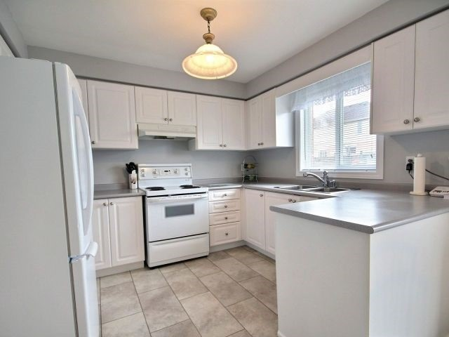 Detached at 56 Birchwood Dr, Barrie, Ontario. Image 18