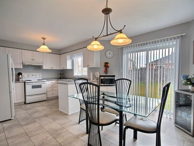 Detached at 56 Birchwood Dr, Barrie, Ontario. Image 19