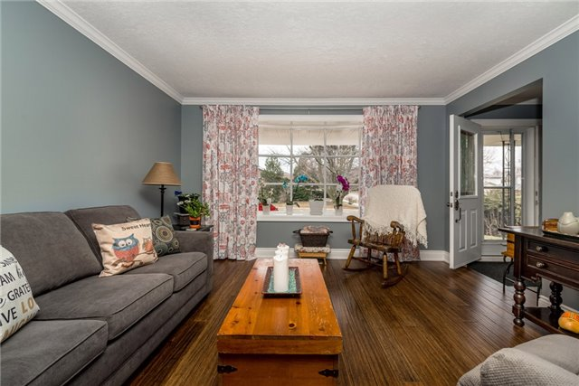 Detached at 10 Davies Cres, Barrie, Ontario. Image 12