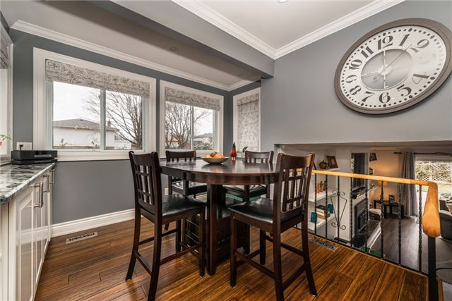 Detached at 10 Davies Cres, Barrie, Ontario. Image 19