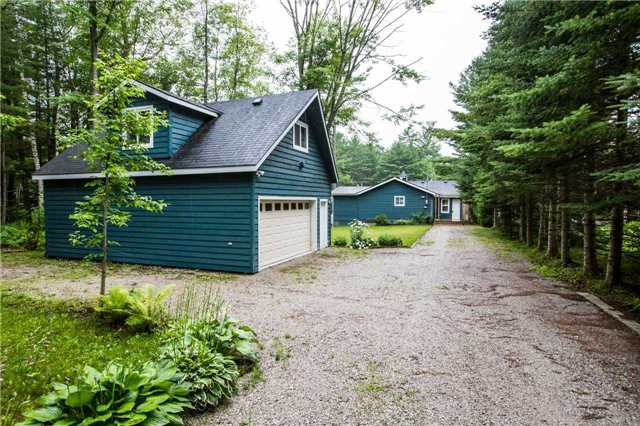 Detached at 3603 Riverdale Dr, Severn, Ontario. Image 12