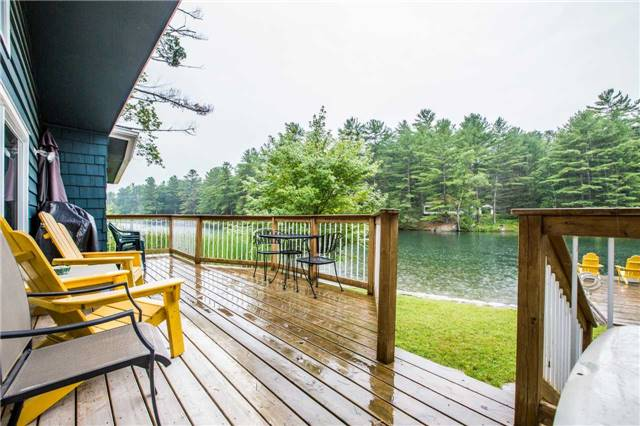 Detached at 3603 Riverdale Dr, Severn, Ontario. Image 7