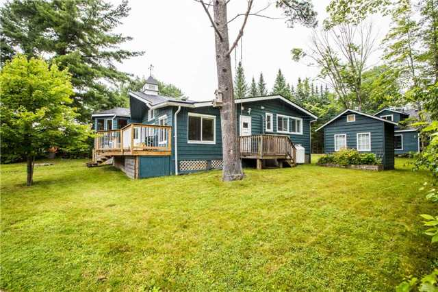 Detached at 3603 Riverdale Dr, Severn, Ontario. Image 11