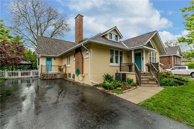 Detached at 124 Clapperton St, Barrie, Ontario. Image 1