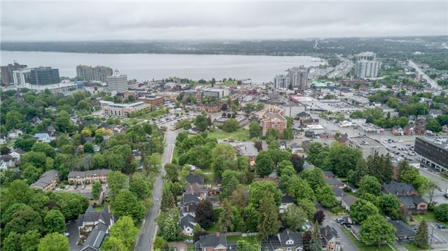 Detached at 124 Clapperton St, Barrie, Ontario. Image 19