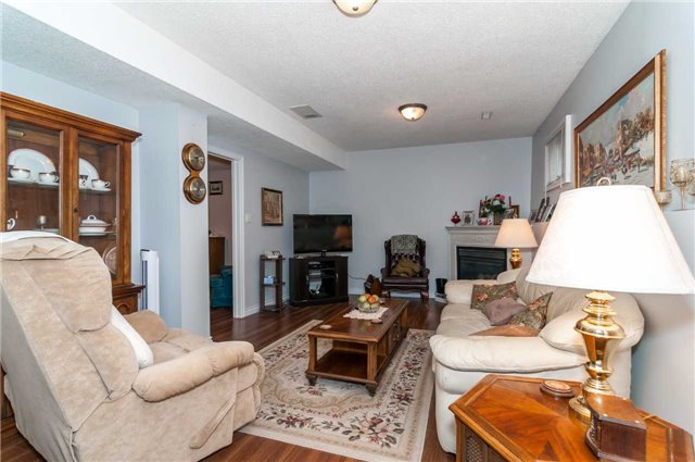 Detached at 101 Chalmers Dr, Barrie, Ontario. Image 5