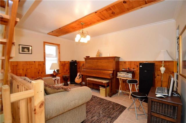 Detached at 106 Maple Ave, Barrie, Ontario. Image 15