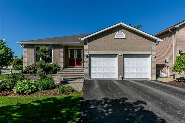 Detached at 77 Monique Cres, Barrie, Ontario. Image 1