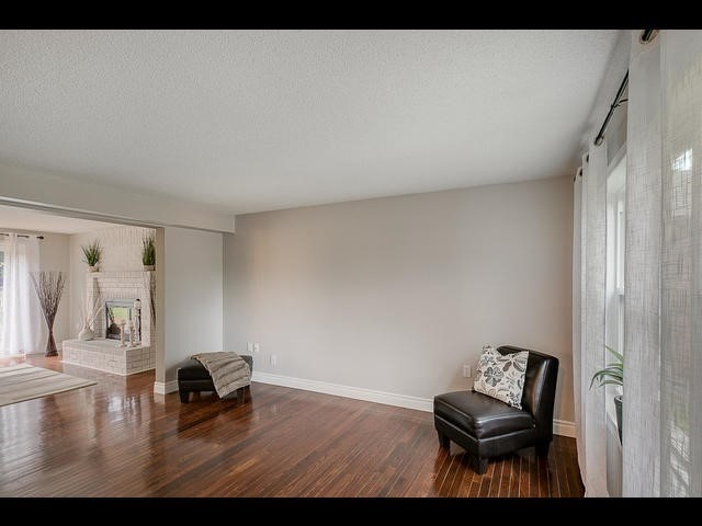 Detached at 67 Irwin Dr, Barrie, Ontario. Image 12