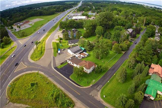 Detached at 3831 Soules Rd, Severn, Ontario. Image 4