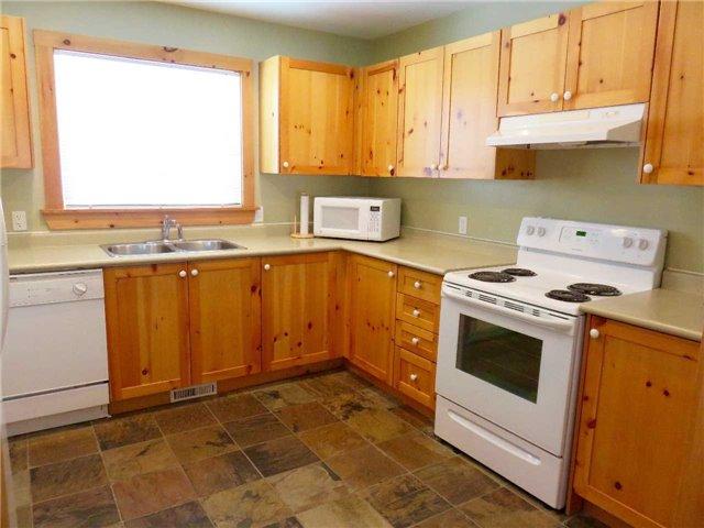 Cottage at 1098 Torpitt Rd, Severn, Ontario. Image 16