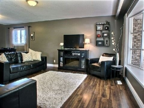Detached at 4 Jane Cres, Barrie, Ontario. Image 3