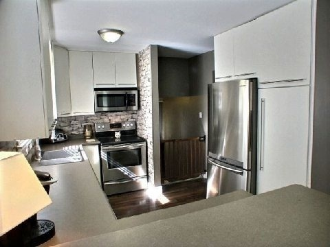 Detached at 4 Jane Cres, Barrie, Ontario. Image 5