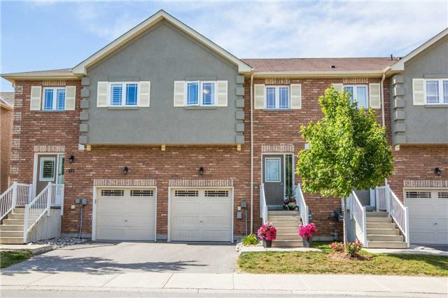 Condo Townhouse at 209 Harvie Rd, Barrie, Ontario. Image 1