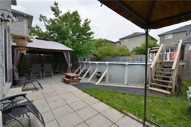 Detached at 27 Mcintyre Dr, Barrie, Ontario. Image 13