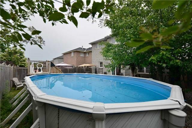 Detached at 27 Mcintyre Dr, Barrie, Ontario. Image 14