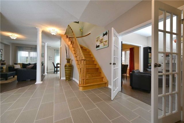 Detached at 27 Mcintyre Dr, Barrie, Ontario. Image 15