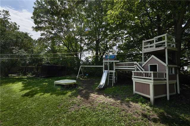 Detached at 22 Preston St, Oro-Medonte, Ontario. Image 10
