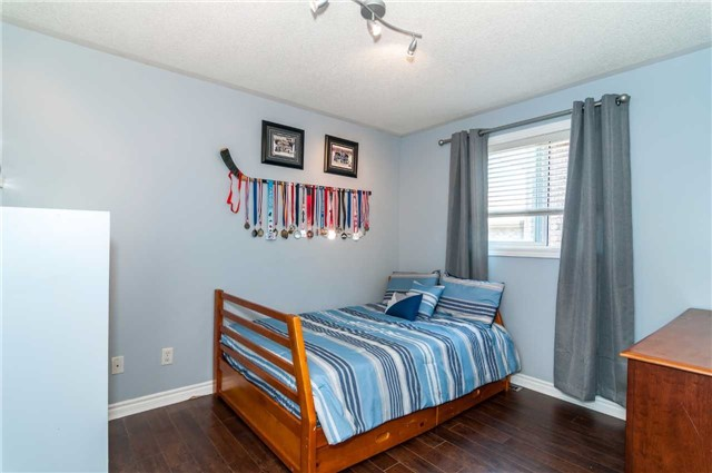Detached at 49 Butternut Dr, Barrie, Ontario. Image 5