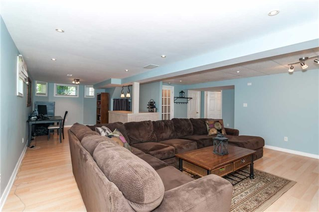 Detached at 49 Butternut Dr, Barrie, Ontario. Image 7